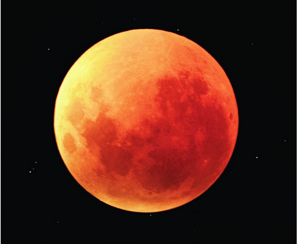 Past lunar eclipse showing the shade of red the moon can often display. Credit: Noel Munford